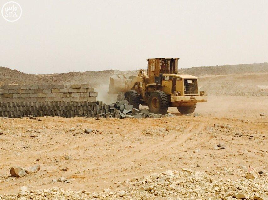 أمانة جدة تزيل تعديات على أراضي حكومية بمساحة 1.250.000 متر مربع