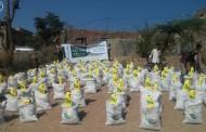 عام / مركز الملك سلمان للإغاثة يوزع 4000 سلة غذائية لمديرية جبل حبشي في تعز